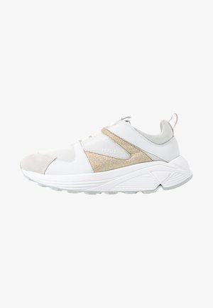 HORIZON RUNN GLITT - Sneakers - gold