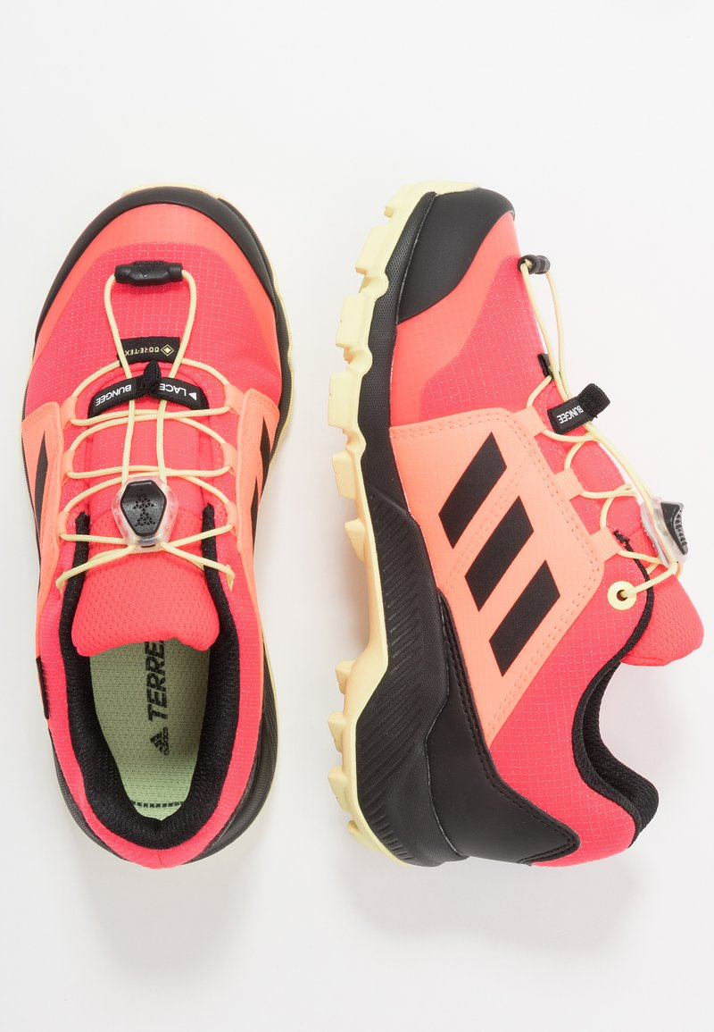 adidas Performance - TERREX GORETEX HIKING SHOES UNISEX - Trekingové boty - power berry/footwear white/signal pink