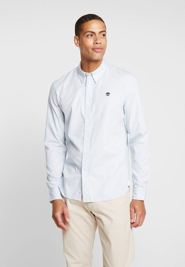 MILFORD CHECKS SLIM FIT - Shirt - skyway