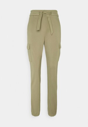 ONLPOPTRASH BELT PANT - Pantaloni cargo - covert green