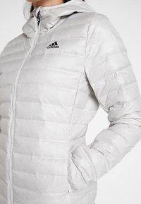 adidas Performance - VARILITE DOWN JACKET - Kurtka zimowa - white - 5