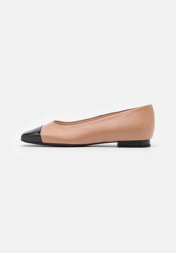 KAYSERI - Ballet pumps - schwarz/biscotti/river