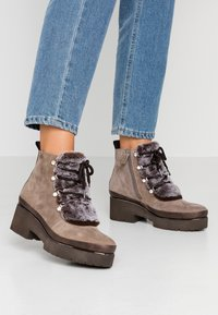 Tamaris Pure Relax - Ankle boots - taupe - 0