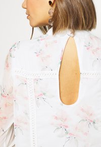 NA-KD - HIGH NECK CROCHET  - Sukienka letnia - light white - 5