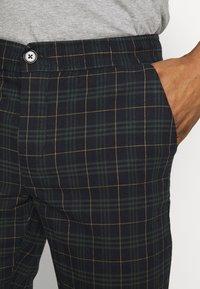 Redefined Rebel - KING PANTS - Pantalon classique - mountain check - 5