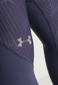 Under Armour - FLY FAST CROP - 3/4 sportovní kalhoty - blue ink - 3