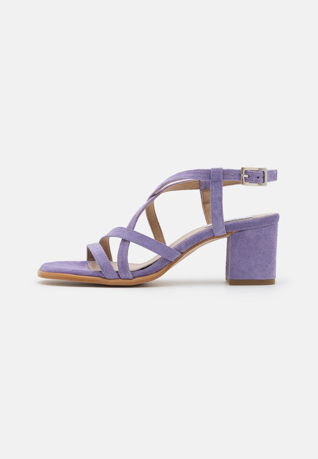 GRACY - Sandals - lila
