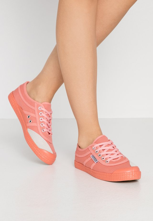 COLOR SHOE - Sneakers laag - street pink