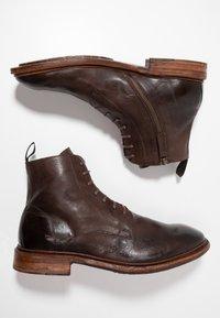 Cordwainer - Snørestøvletter - dark brown - 1