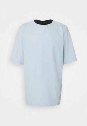 NATURAL TEE - T-paita - light blue