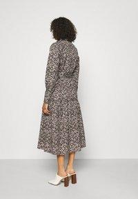 Selected Femme Tall - SLFSOLVEIG SHIRT DRESS - Abito a camicia - black - 2