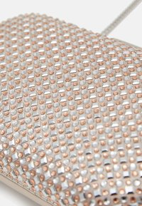 Forever New - SKY JEWELLED ROUND - Clutch - nude/multi - 5