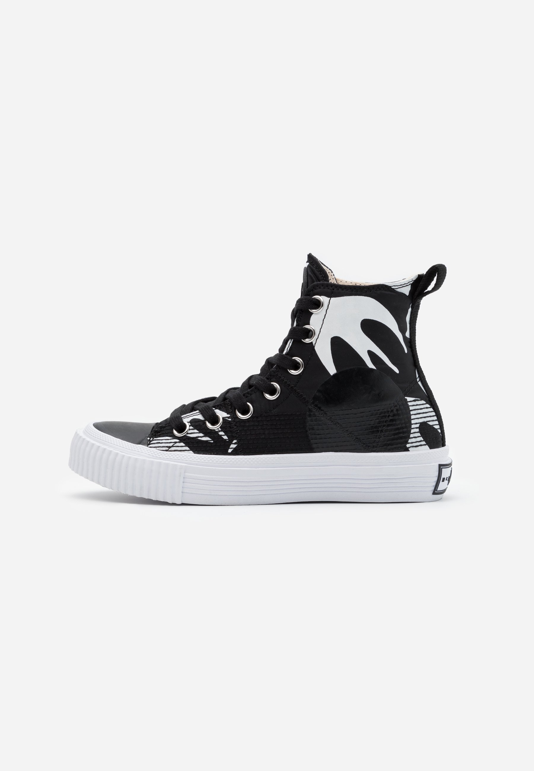 Mcq Alexander Mcqueen Swallow Cut Up High Top Trainers Black White Black Zalando Co Uk