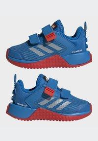 adidas Performance - X LEGO SPORT RUNNING ACTIVE PRIMEBLUE - Juoksukenkä/neutraalit - blue/white/red - 6