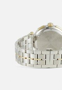 Versace Watches - GRECA - Cronógrafo - silver-coloured - 1