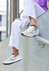 Nike Sportswear - WAFFLE ONE  - Trainers - summit white/white/black/orange - 4