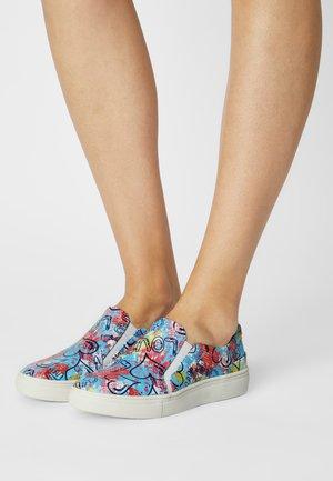 Slip-ons - multi-coloured