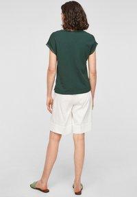 s.Oliver BLACK LABEL - Print T-shirt - dark green - 2