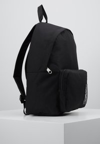 Calvin Klein Jeans - SPORT ESSENTIALS BACKPACK - Batoh - black - 3