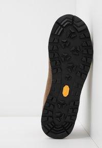 Scarpa - MARGARITA MAX UNISEX - Hiking shoes - natural - 4