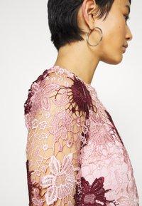 Chi Chi London - SUTTON DRESS - Sukienka koktajlowa - pink - 5