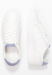 J.CREW - WITH STRIPE DETAIL - Trainers - white/blue - 3