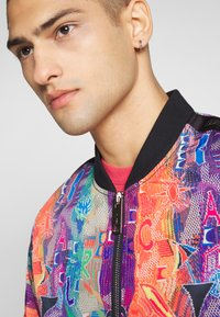 Carlo Colucci - Bomber Jacket - weiss - 3