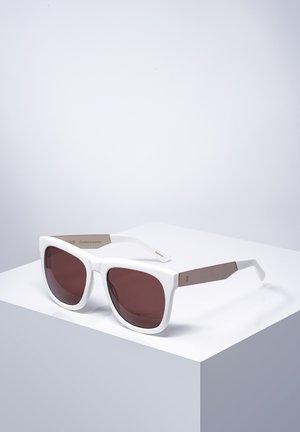 REDCHURCH - Sunglasses - shmilk/wht