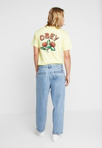 Obey Clothing - FUBAR PLEATED - Relaxed fit jeans - light indigo - 2