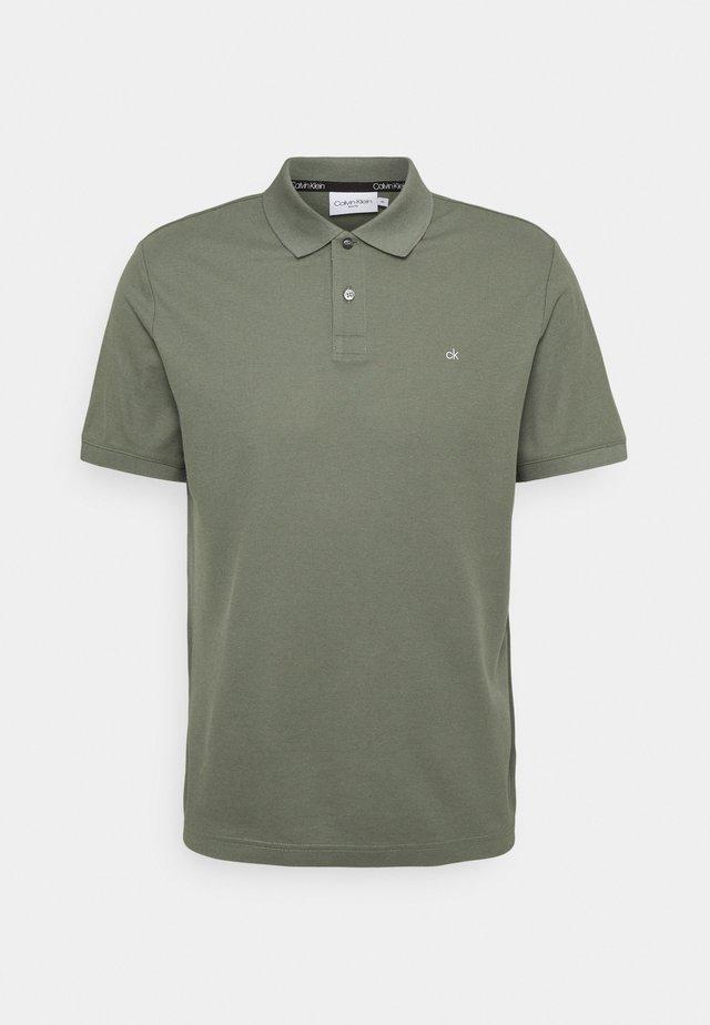 REFINED LOGO SLIM  - Poloskjorter - green