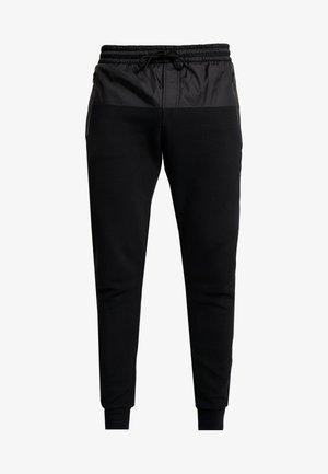 MIXED MEDIA JOGGING PANT - Pantalones deportivos - black