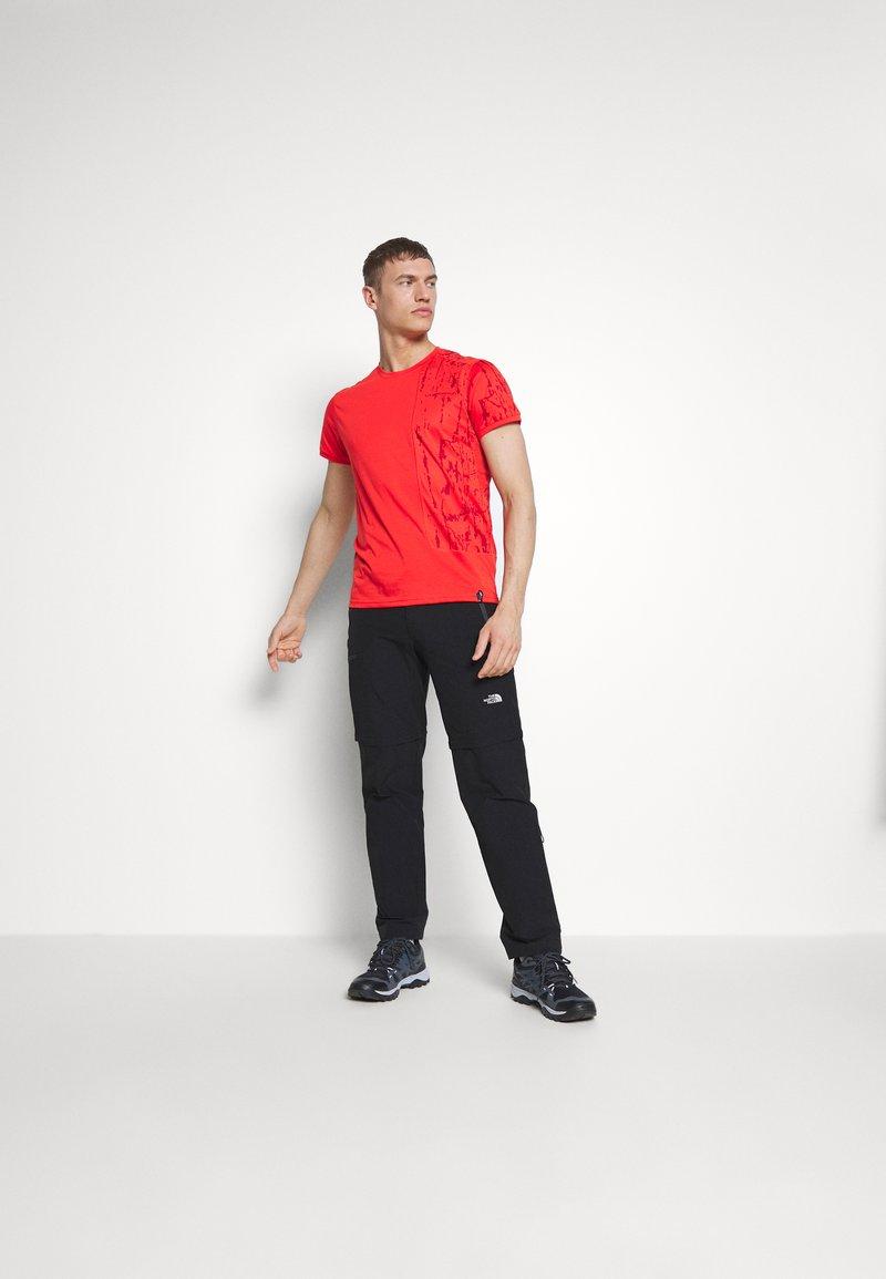 La Sportiva - LEAD - T-shirt z nadrukiem - poppy