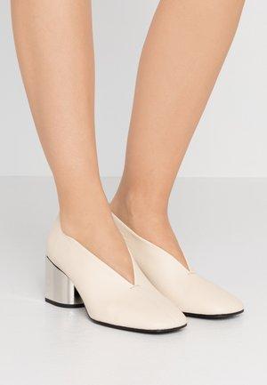 Classic heels - algeri/ecru/tacco silver