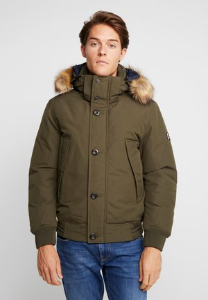 HAMPTON DOWN  - Daunenjacke - green