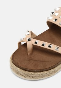 Madden Girl - CASE - T-bar sandals - nude - 5