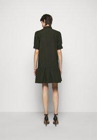 Bruuns Bazaar - FREYIE ALISE SHIRTDRESS - Shirt dress - green night - 2