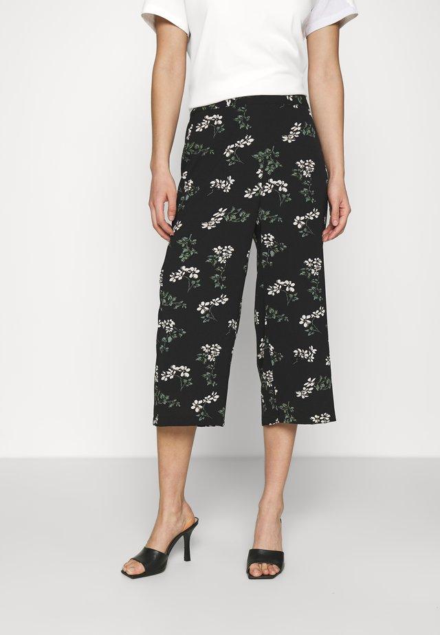 VMSAGA CULOTTE PANT - Pantaloni - black