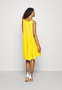 YAS - YASSENELA DRESS - Sukienka letnia - citrus - 2