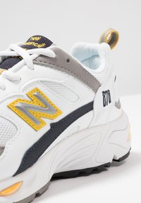 New Balance - CM878 - Sneakers - white - 8