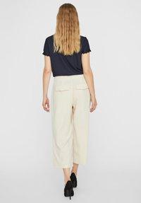 Vero Moda - HOSE HIGH WAIST CULOTTE - Trousers - birch - 2