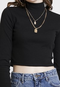 Missguided - HIGH NECK CROP 2 PACK - Long sleeved top - black/red - 4
