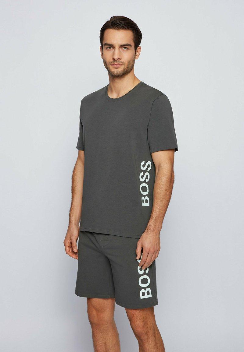 BOSS - Nachtwäsche Shirt - dark green