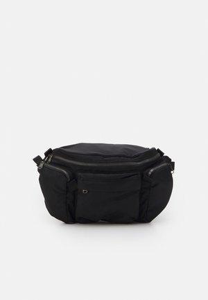 CROSSBODY UNISEX - Bæltetasker - black