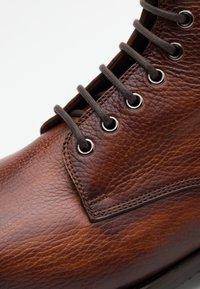 Magnanni - Lace-up ankle boots - coñac - 3