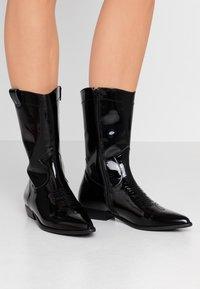 E8 BY MIISTA - MILA - Cowboy/Biker boots - black - 0