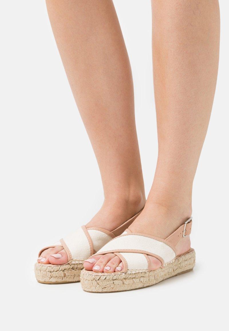 Zign - Sandalen met plateauzool - beige