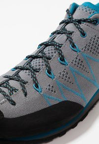 Scarpa - CRUX AIR - Walking trainers - smoke/lake blue - 5