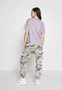 American Eagle - BRANDED MICKEY TEE - Print T-shirt - lavender - 2