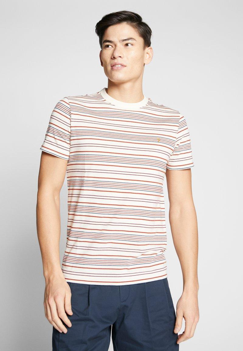 Farah - ROSEDALE TEE - T-shirt z nadrukiem - cream