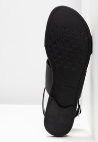 Vagabond - TIA - Sandals - black - 6